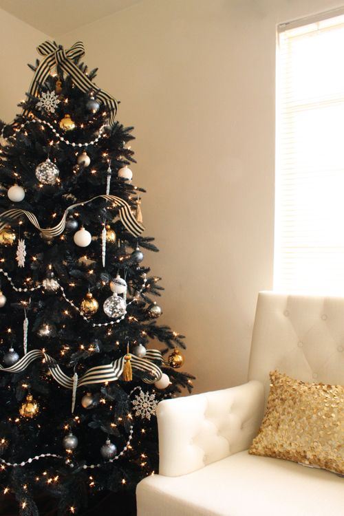 Christmas tree with black and white ribbon dwellingdecor