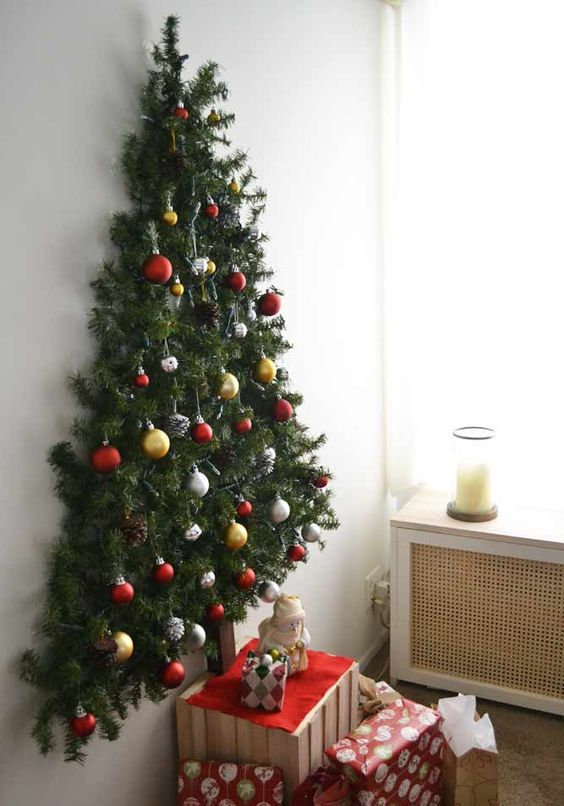 Diy Wall Mounted Christmas Tree With Pine Garlands Dwellingdecor