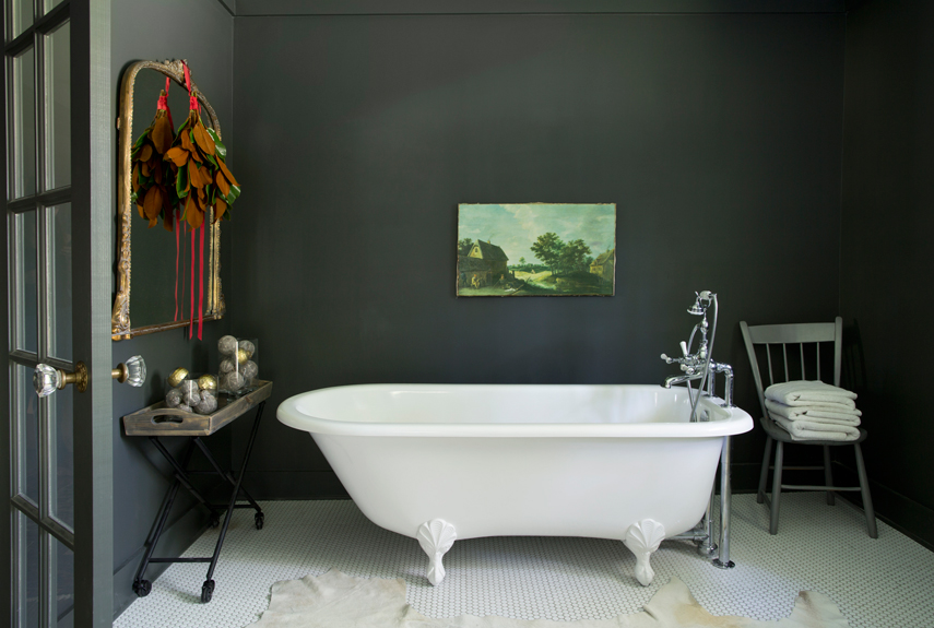 Best Bathroom Decorating Idea with Comfortable Bathtub dwellingdecor