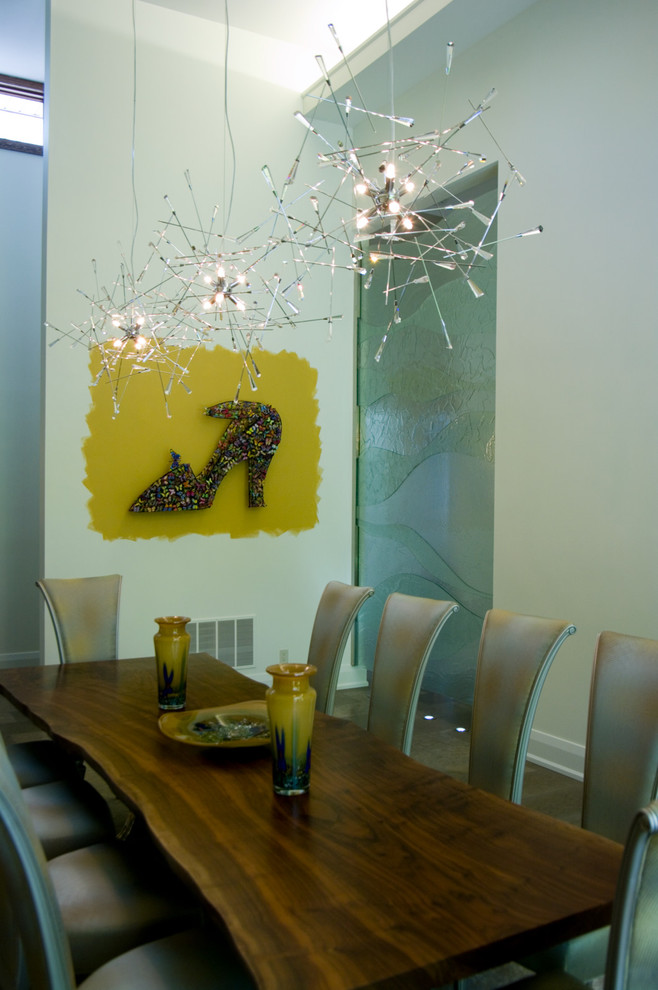 Unique Pendant Light Decoration DIning Table